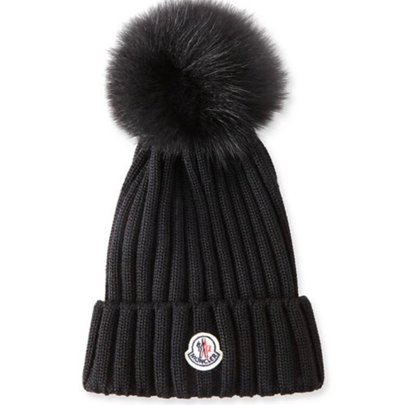 Moncler beretto genuine Fox fur beanie da4e4a59b4bd